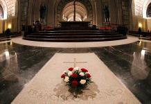 Prior del Valle de los Caídos advierte que no permitirá exhumación de Franco
