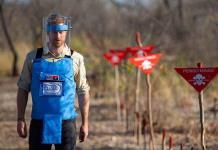 Harry sigue los pasos de Diana de Gales en un campo de minas en Angola