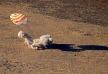 La Soyuz MS-12 aterriza con éxito en la estepa kazaja