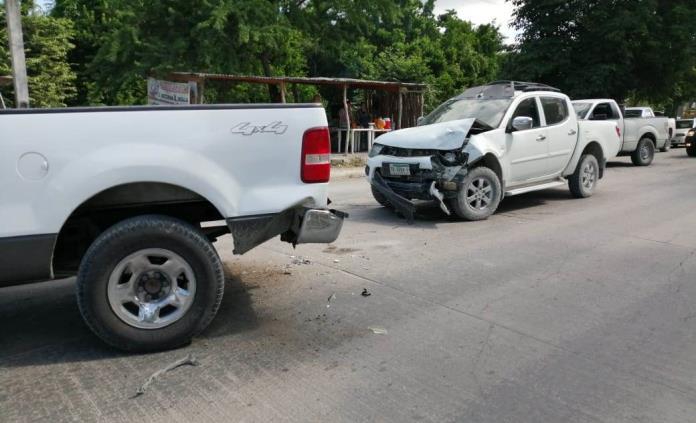 Persecución policial en Valles acaba en choque; sospechoso huye