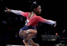 Biles establece récord de medallas