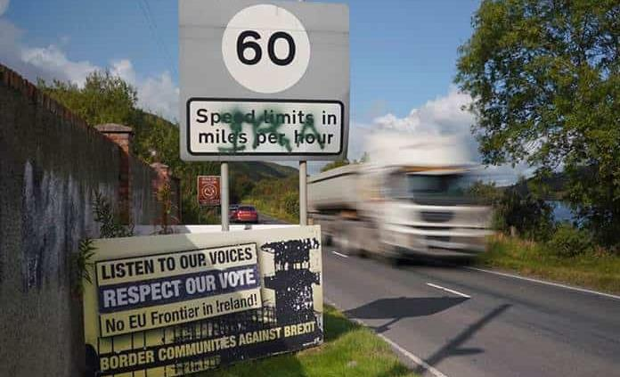 Residentes de la frontera irlandesa temen un Brexit sin acuerdo