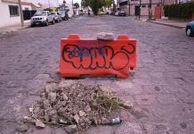 Vecinos piden reparen drenaje colapsado