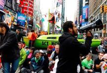 Más de 60 detenidos por bloqueos en Time Square durante protesta ecologista
