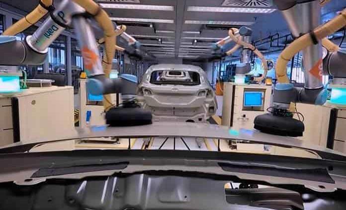 Ford presentó los robots que pintan al Fiesta (VIDEO)