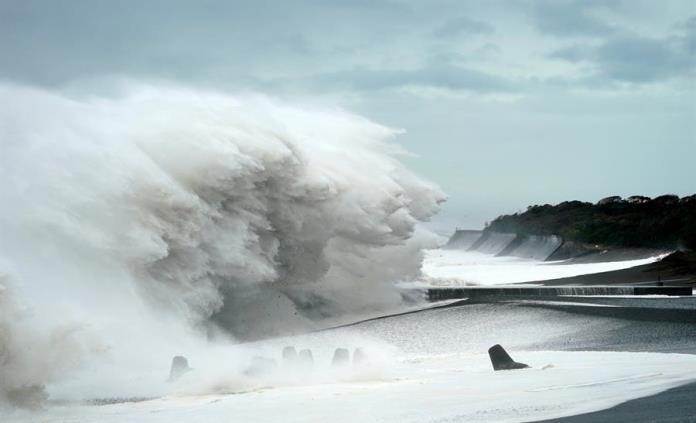 Japón, en alerta máxima ante los embates del poderoso tifón Hagibis