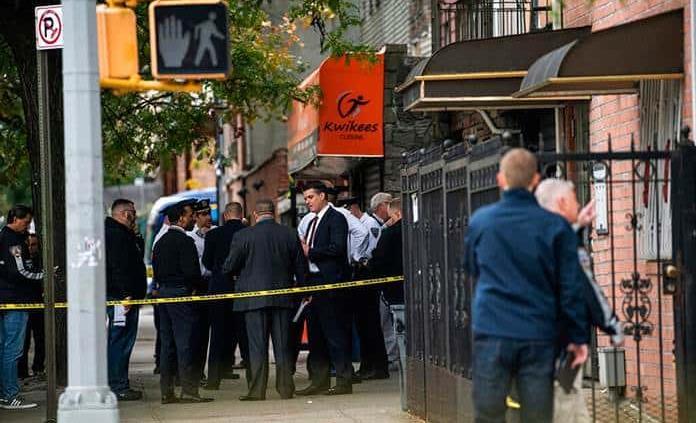 Mueren cuatro personas en tiroteo en centro de apuestas ilegal en Brooklyn