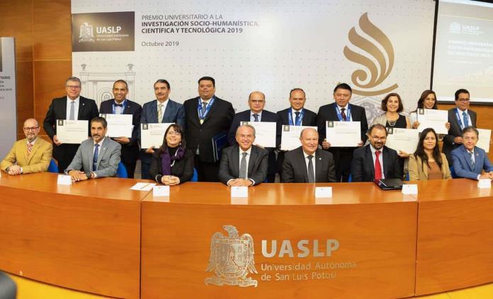 Directora del Conacyt entrega premio UASLP de Investigación 2019 a seis científicos