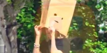 VIDEO: Mamá de Sarita y viuda de José José sale a la calle con bolsa de papel en la cabeza