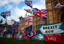 Bolsas europeas, a la baja por Brexit y aranceles de EU