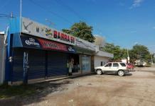 Roban con violencia en bar de Valles; se  llevan 5 mil pesos