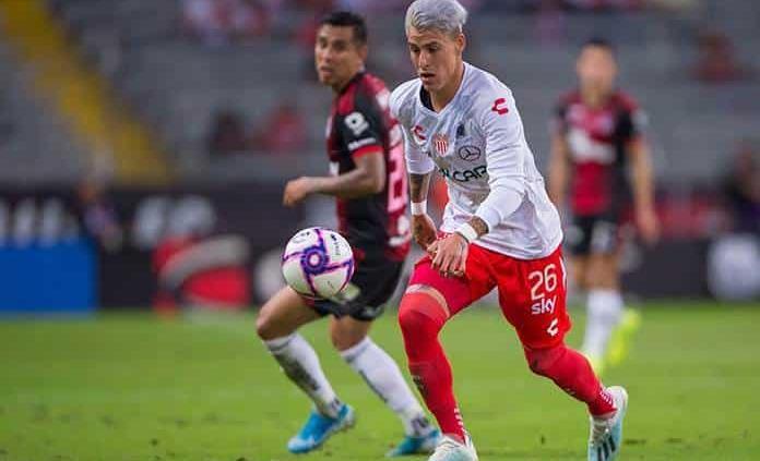 Necaxa oficializa salida de técnico Guillermo Vázquez