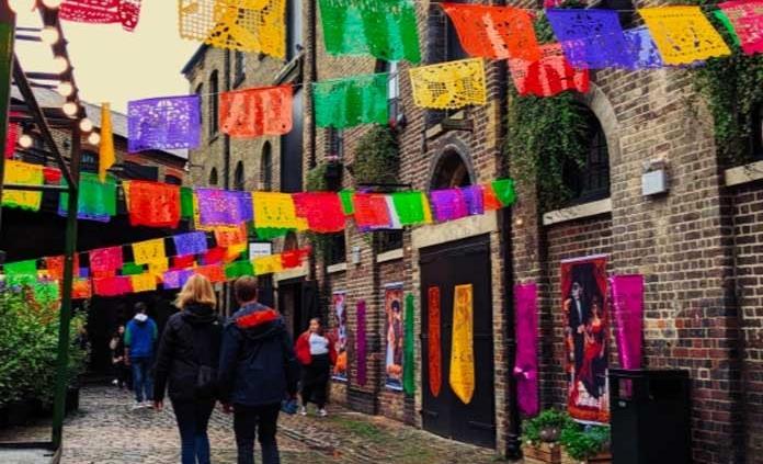 México conquista Camden Market en Londres durante la celebración del Día de Muertos