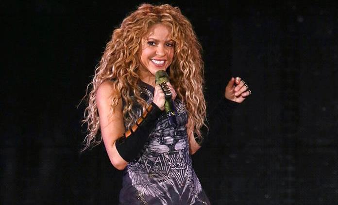 Shakira, criticada por su comportamiento frente al rey Felipe