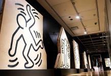 Subasta de mural de Keith Haring causa polémica