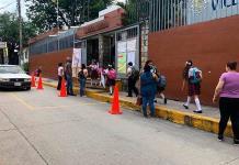 """Exigen que ex directora de la primaria """"Vicente Guerrero"""" sea llamada a cuentas"""