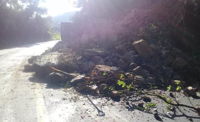 Cuantiosos daños, saldo de accidentes en la carretera libre Valles-Rioverde