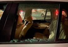 Dan cristalazo al vehículo de Javier Abella, futbolista de Santos