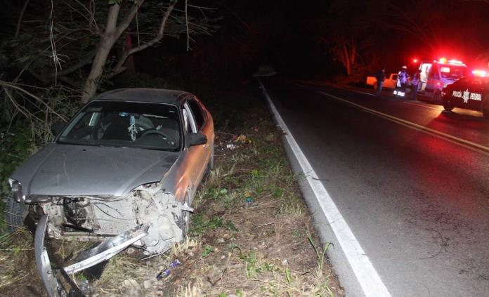 Automovilista embiste a una joven en la carretera Valles-Rioverde