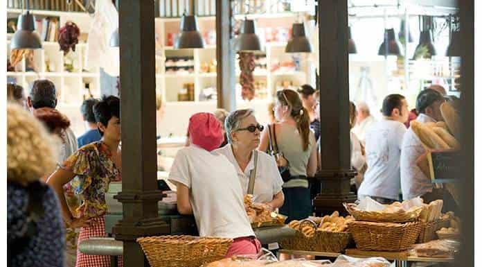 Mercados gastronómicos atraen a consumidores jóvenes'>
