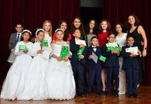Niños realizan su primera comunión en el 79 aniversario del Club Deportivo Potosino
