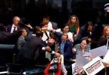 VIDEO| Entre gritos en el Senado, Rosario Piedra toma protesta como presidenta de la CNDH