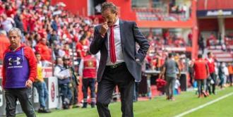 Toluca destituye a Ricardo La Volpe