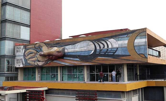 Factible, el retiro de pintas a mural de Siqueiros: INBAL