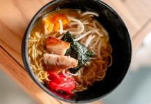 El restaurante japonés Tori Tori abrió su primer izakaya