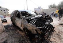 Colonos israelíes queman autos y olivios en Cisjordania ocupada