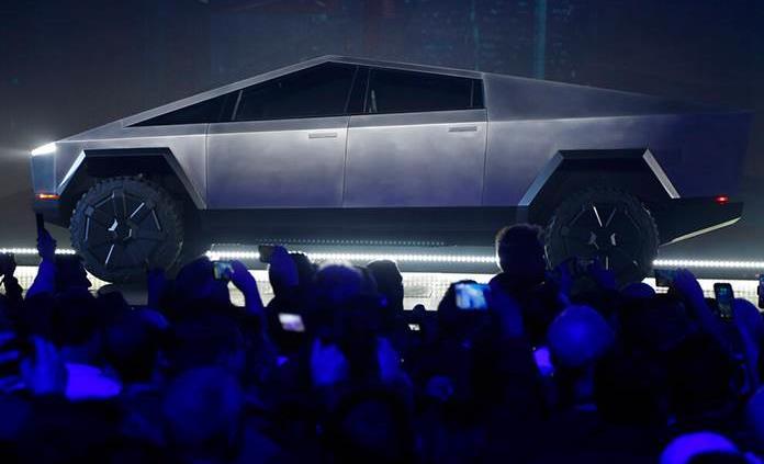 Anuncia Esper que adquirirá 15 camionetas Tesla