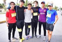 Atletas perseverantes en la carrera 2K del Colegio Motolinía