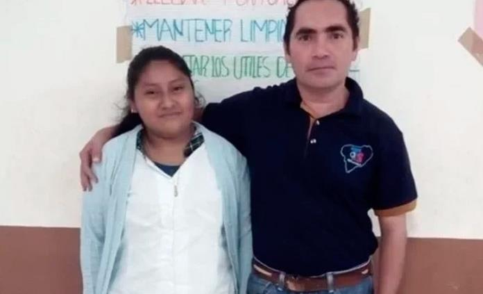 Maestro Conmueve En Redes Y Logra Festejo De 15 Años Para Alumna