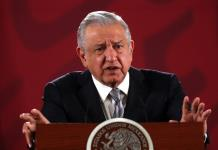 Desestima López Obrador críticas de Fox