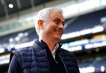 Mourinho invita al recogebalones a comer con el equipo