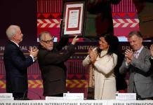 Premian al poeta David Huerta