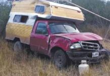 Vuelca camioneta en Rayón; conductor sufrió raspones
