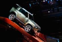 Land Rover Defender, dramático como en película