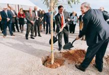 Sonora y Arizona inician construcción de primera planta de autos eléctricos