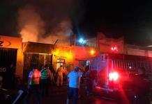 Movilización por incendio en la avenida 20 de Noviembre (FOTOGALERÍA)
