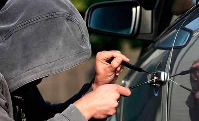Ladrones roban 20 vehículos por semana en SLP; solo la mitad se recupera
