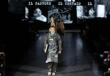 Peculiares diseños de Dolce & Gabbana inspirados en diversos oficios llegan a las pasarelas de Milán (FOTOS)