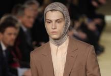 Ferragamo y Prada lanzan colección de moda masculina en Milán