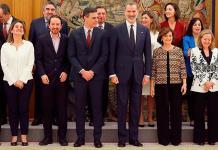 Los ministros del nuevo gobierno español asumen sus cargos