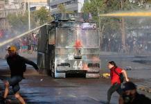 Organismo de DDHH pide a Policía chilena aclarar presunto uso de químico en protesta