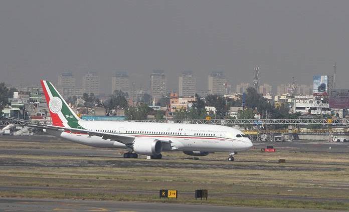 PAN en el Senado pide a AMLO que use avión presidencial