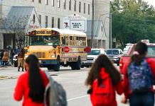 Reportan un muerto tras presunto tiroteo en escuela de Texas
