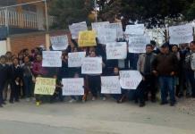 Protestan en escuela de La Pila por cambio de director
