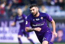 Con 10 hombres, Fiorentina avanza en Copa Italia