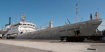El barco ruso que busca el Polo Sur Magnético con un mapa de papel
